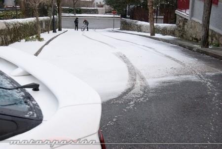 Toyota Supra con Michelin Alpin 4