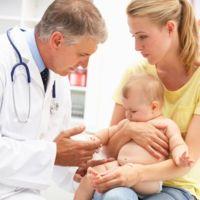 Vacunar a los bebés podría ayudar a disminuir el riesgo de muerte súbita