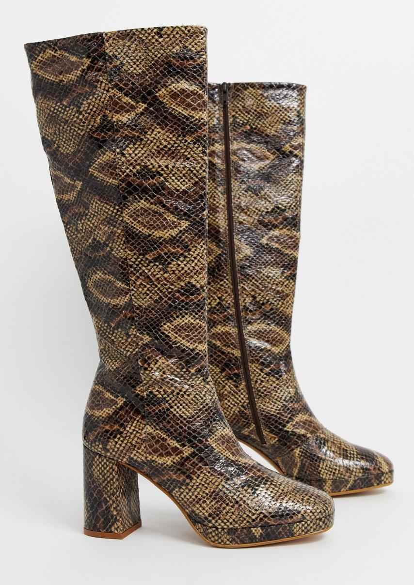 Botas altas de tacón en cuero con estampado de serpiente de Topshop