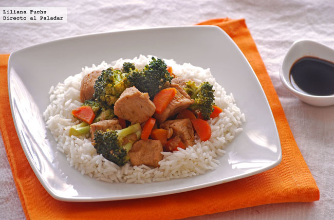 Wok de pollo a la naranja con verduras