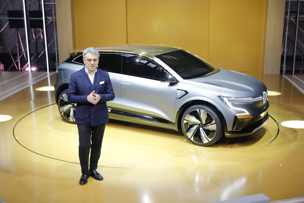 Luca de Meo avisa que harán falta nuevos recortes en Renault: