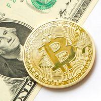 Bitcoin pierde un 75% de su valor en menos de un año y cae por debajo de los 5.000 dólares