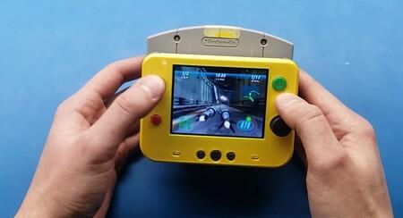 Esta es la Nintendo 64 más pequeña del mundo: es portátil, compatible con los cartuchos originales y fue impresa en 3D