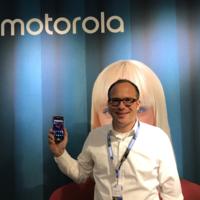 """""""Un móvil sin marcos tiene que beneficiar al usuario y no convertirse en algo más difícil de manejar"""": Christoph Janeba (Lenovo)"""