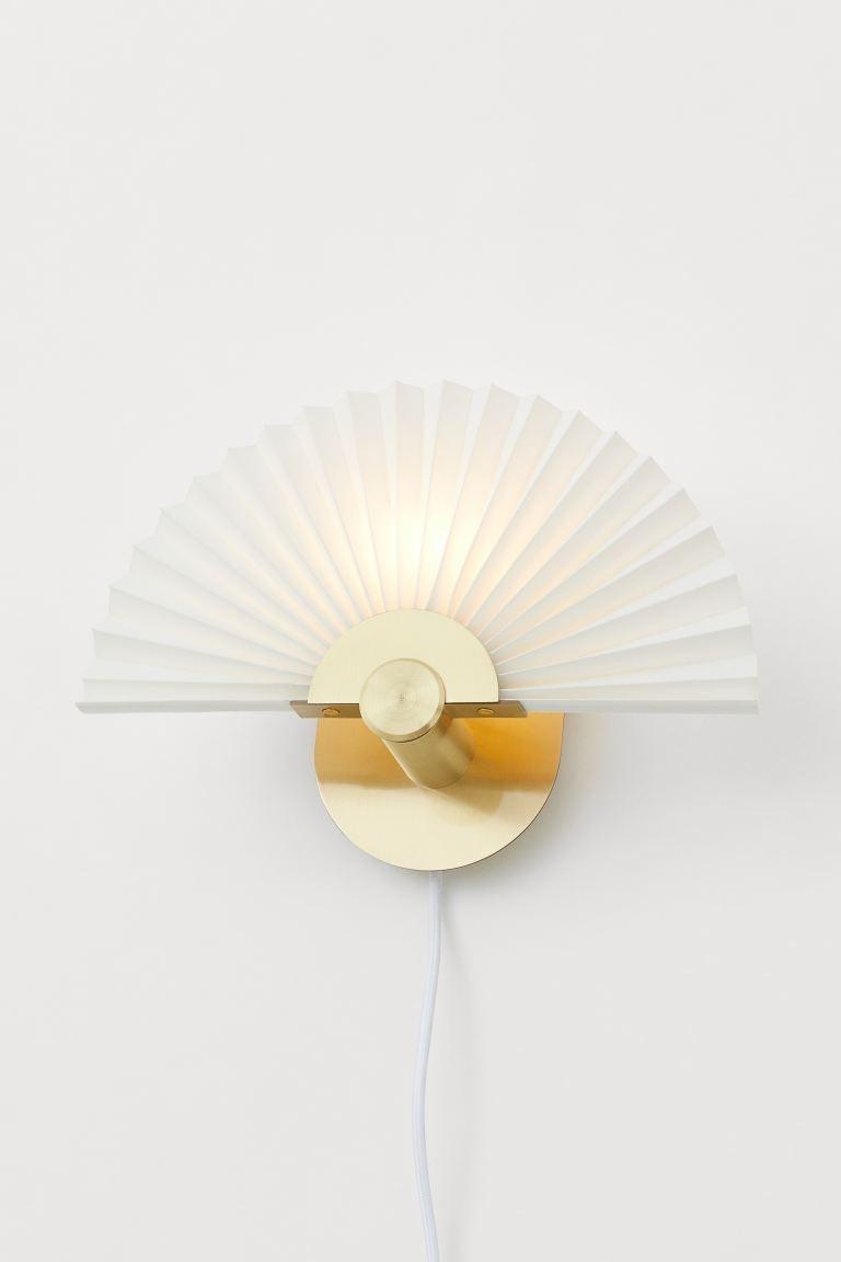 Lámpara de pared plisada