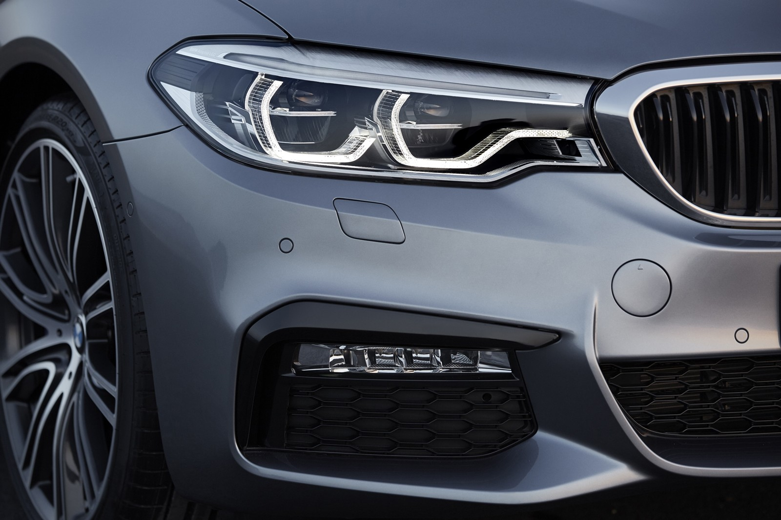 Foto de BMW Serie 5 2017 (27/134)