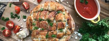 Pan de ajo y tres quesos, receta de picoteo para compartir con amigos (con vídeo incluido)