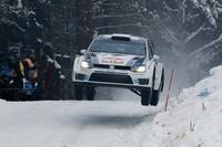 Rally de Suecia 2013: Sébastien Ogier capea el temporal dando una lección de pilotaje