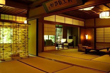 Un ryokan de lujo en Japón (I): Hiiragiya, la antigüedad