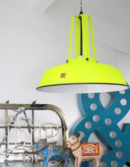 Lámpara de gran formato industrial