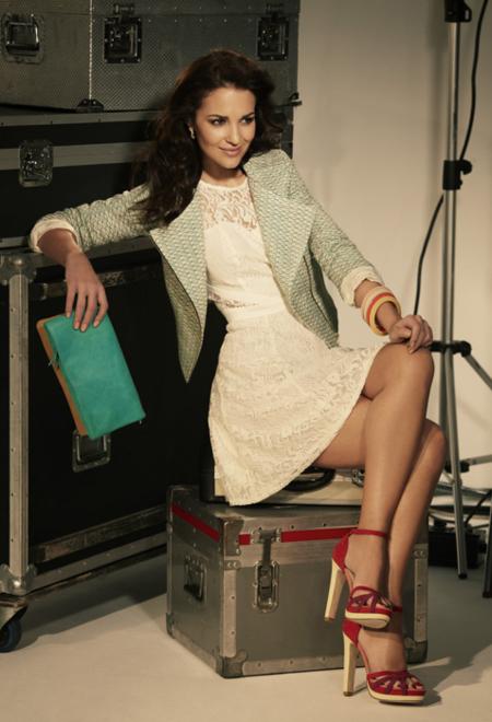El primer look de Paula Echevarría para Blanco: ¡absolutamente fantástica!
