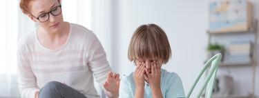 """Por qué deberías dejar de decirle a tus hijos """"no pasa nada"""" cuando lloran"""