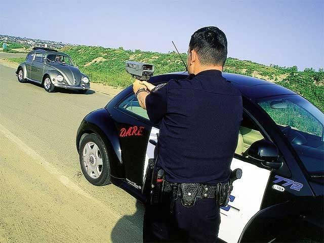 """Un solo """"disparo"""" es capaz de detener tu coche"""