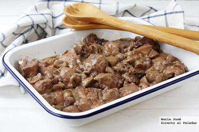Receta de pollo con tocino entreverado y salsa de vino