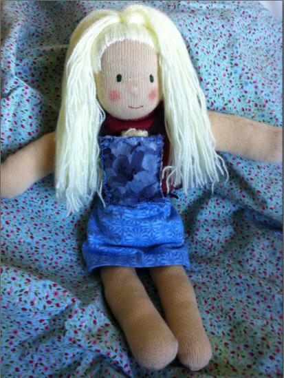 Muñecas de trapo embarazadas en 'Camisetas Swan'