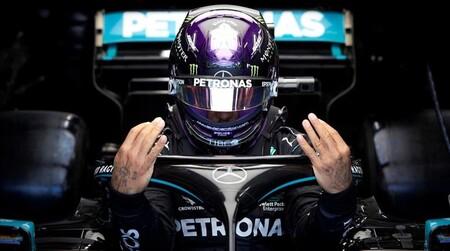 """La renovación de Lewis Hamilton con Mercedes ya es un culebrón con posible retirada de fondo: """"Algo huele mal"""""""