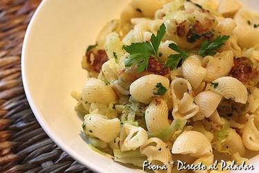 Receta de pasta con patatas y repollo