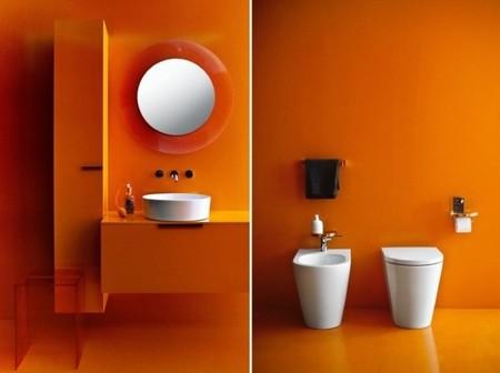 Kartell y Laufen buscan el equilibrio del plástico y la cerámica en el cuarto de baño