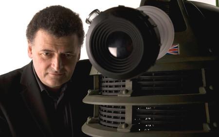 """""""No es una serie exclusivamente para progres"""": Steven Moffat explica por qué su 'Doctor Who' nunca fue mujer"""