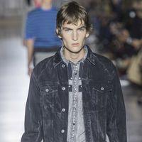 La nueva era de Givenchy toma elementos texanos para su colección de primavera en París