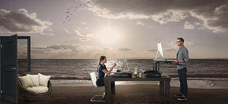 Es postureo, trabajar desde la playa es de todo menos cómodo