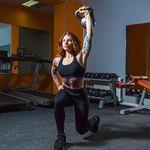 Una rutina con kettlebells o pesas rusas para entrenar todo tu cuerpo en tiempo récord