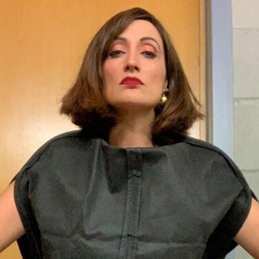El enorme zasca de Ana Morgade a los cánones de belleza: explica por qué posó vestida con un portatrajes en la Seminci