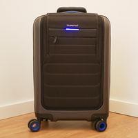 Poner batería a una maleta no era tan buena idea: Bluesmart cierra tras el veto a los equipajes inteligentes