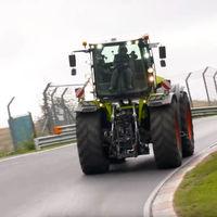 La vuelta más lenta de Nürburgring es para este tractor Claas de 520 CV y una buena dosis de humor