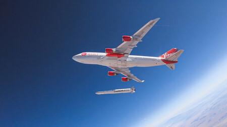 Virgin lo ha conseguido: por primera vez coloca con éxito un satélite en órbita desde un avión
