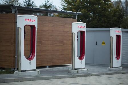 Tesla 2875853 1920