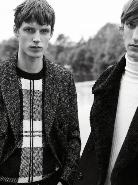 Editorial Coat Up de Zara