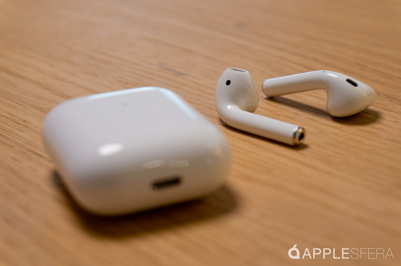 AirPods 2 por 155 euros, iPhone SE reacondicionado por 180 euros y iPhone XR por 631 euros. Cazando Gangas