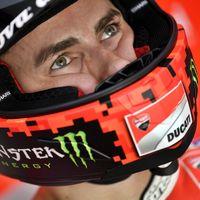"""Jorge Lorenzo tuvo que tirarse de su Ducati: """"Me quedé sin frenos. Iba a chocar contra el muro"""""""