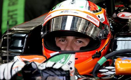 Sergio Pérez marca el mejor tiempo el primer día de la segunda semana de pruebas en Baréin