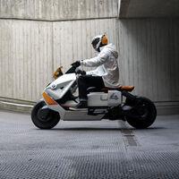 BMW Motorrad Definition CE 04: la moto eléctrica de estética futurista que la firma alemana quiere traer a la ciudad
