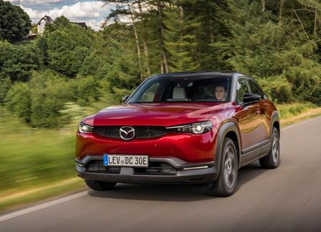 El Mazda MX-30 ya no es sólo eléctrico: estrena motor de 2.0 litros a gasolina con sistema microhíbrido