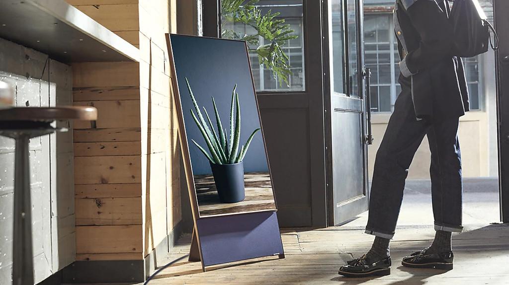 The Sero, el televisor vertical de Samsung, llega a España: precio y disponibilidad oficiales