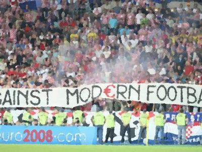 Seamos claros: el fútbol moderno no tiene nada que hacer frente al fútbol viejuno