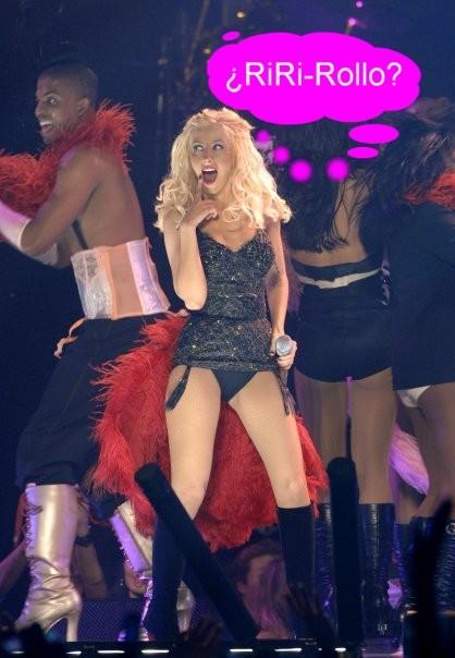Rihanna y sus ganas lésbicas: juntas y a por Christina Aguilera