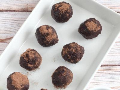 Trufas de aguacate, postre fácil y rápido con solo tres ingredientes