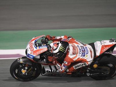 Jorge Lorenzo, undécimo, sufrió en Losail su primer desencuentro con la Ducati