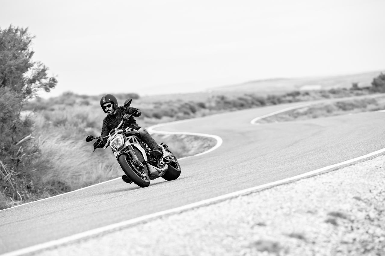 Foto de Ducati Diavel X (1/29)