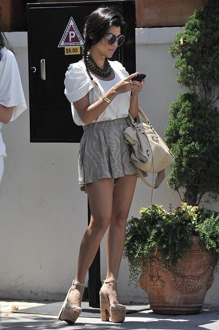 kourtney kardashian falda