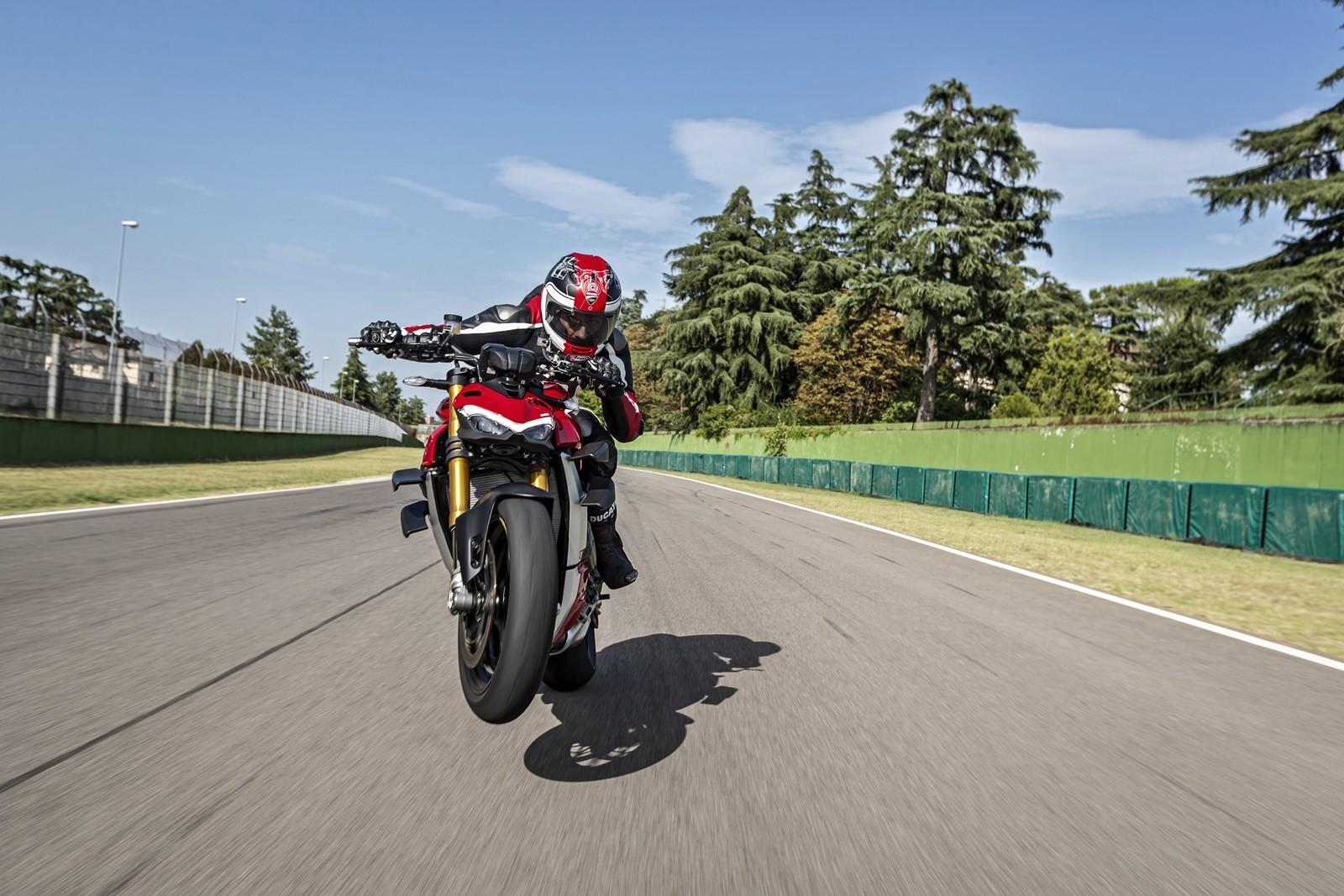 Foto de Ducati Panigale V4 Streetfighter 2020 (2/66)