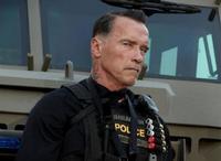Arnold Schwarzenegger es un tío duro en la primera imagen de 'Ten'