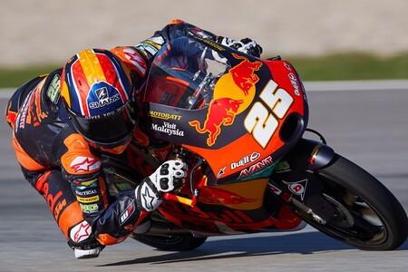 Raúl Fernández marca territorio en los gélidos entrenamientos libres de Moto3 en MotorLand