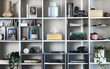 ¿Eres de Billy, de Kallax o de Ivar? Las míticas estanterías de Ikea (perfectas para completar tu zona de trabajo) se reinventan con nuevos diseños y/ o con bajadas de precio