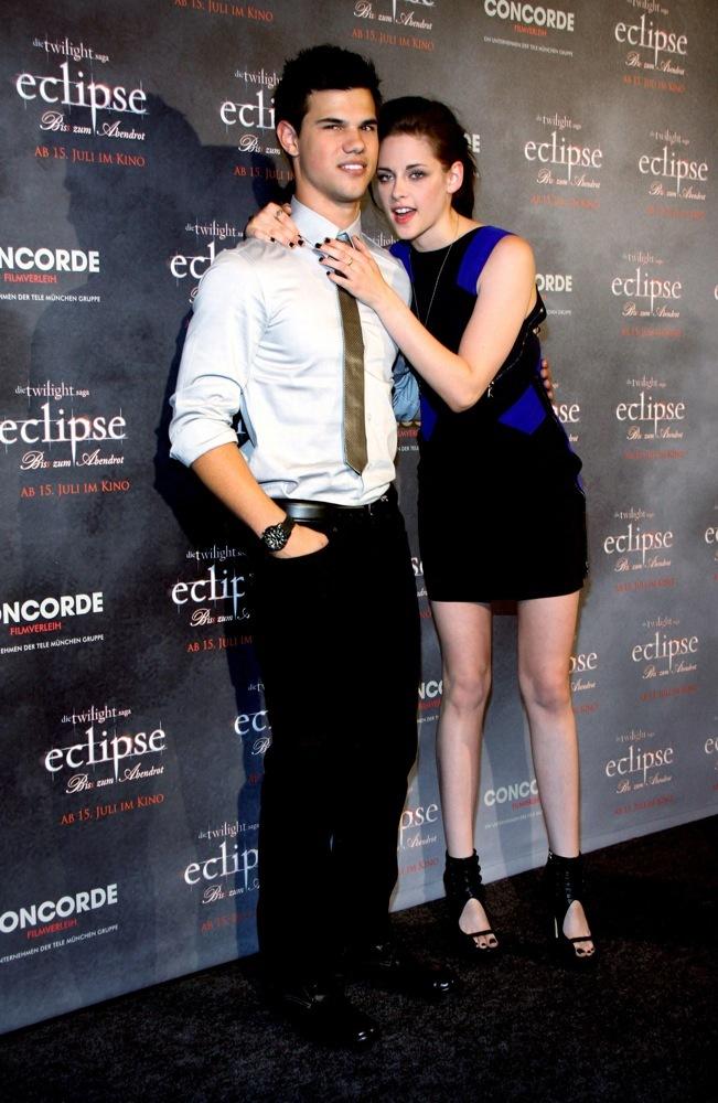 Foto de Más looks de Kristen Stewart presentando lo nuevo de 'Crepúsculo', 'Eclipse': en busca del estilo (12/18)