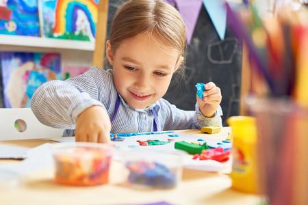 11 juegos sensoriales para hacer en casa con bebés y niños y estimular sus sentidos